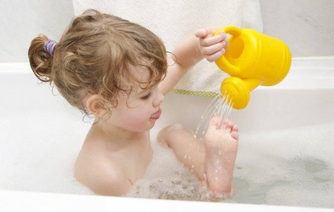 можно купать ребенка при насморке