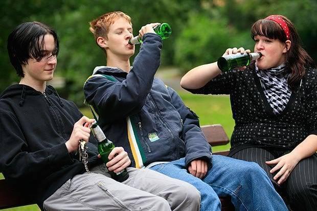 Детский алкоголизм: основные причины и последствия