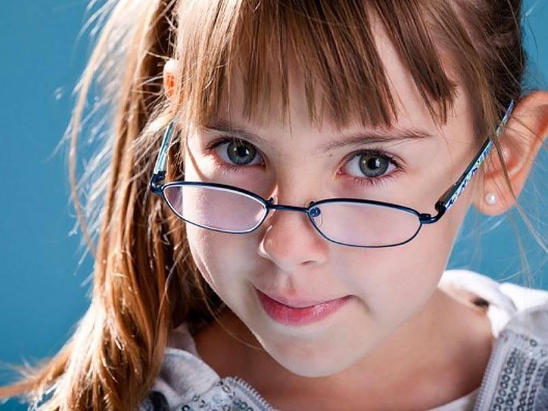Близорукость у детей: возможно ли ее вылечить?