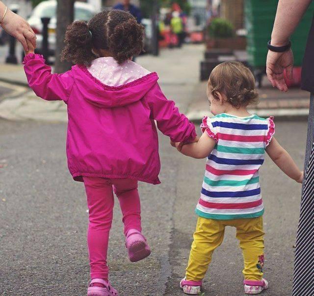 Чем лечить ребенку конъюнктивит, можно ли гулять на улице