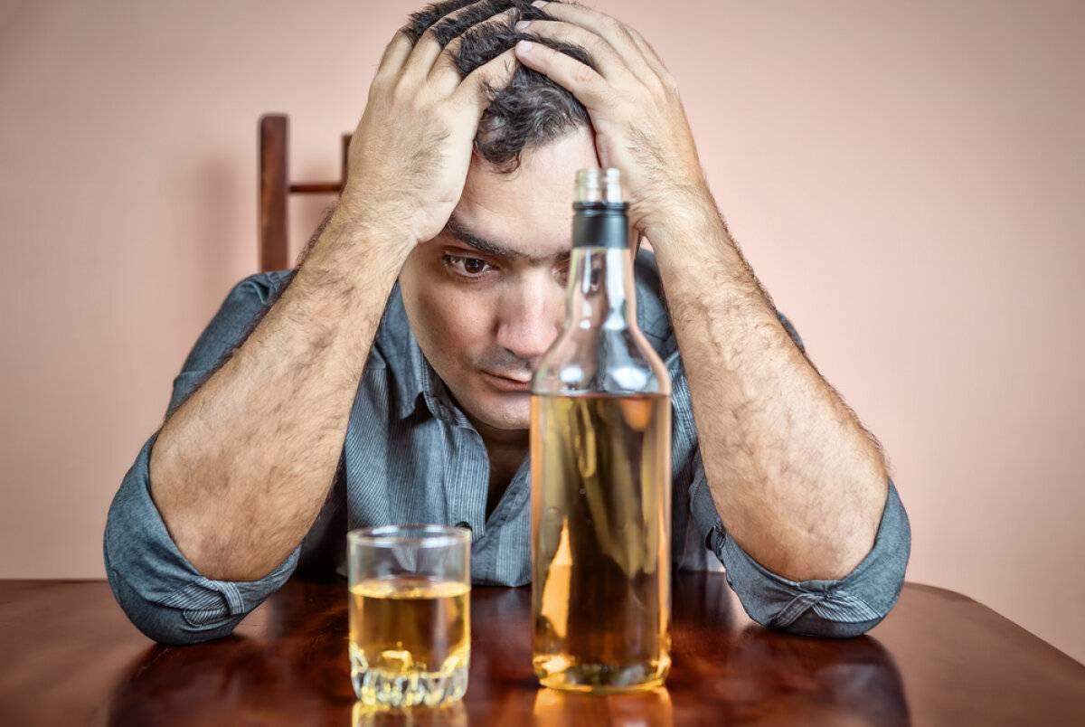 Пивной алкоголизм: причины, симптомы и лечение
