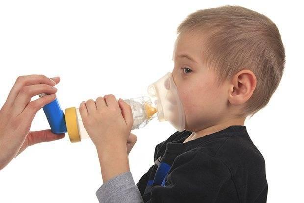 приступы кашля у ребенка что делать