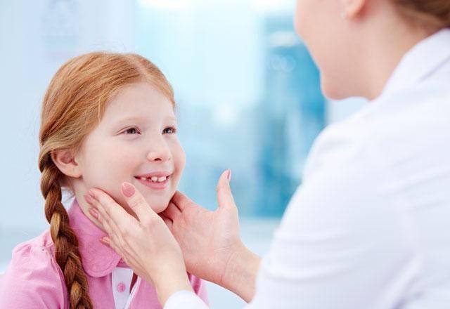 Е. комаровский: у ребенка осип голос – что делать, лечение осиплости