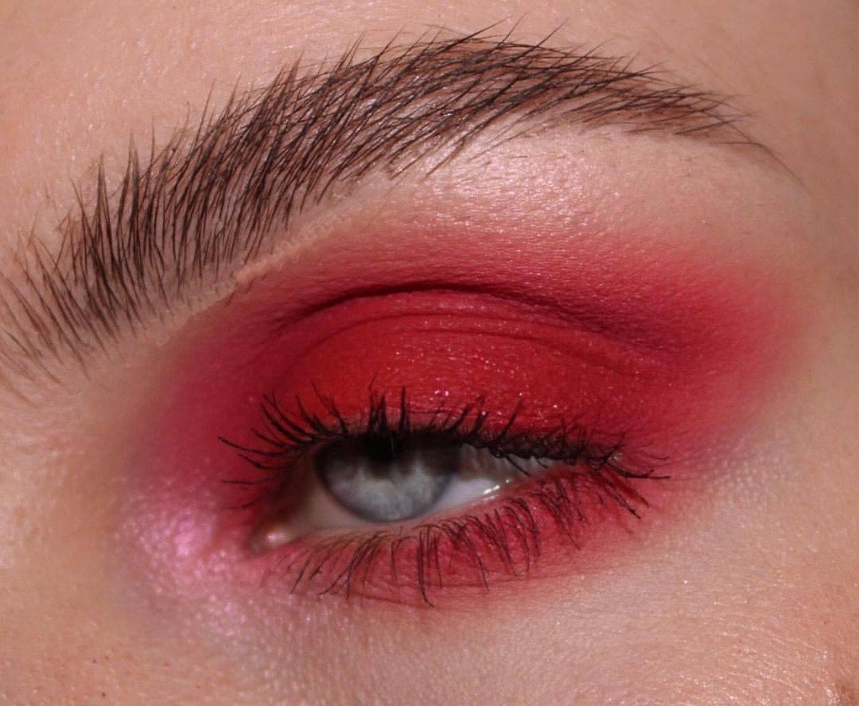 почему красные веки глаз
