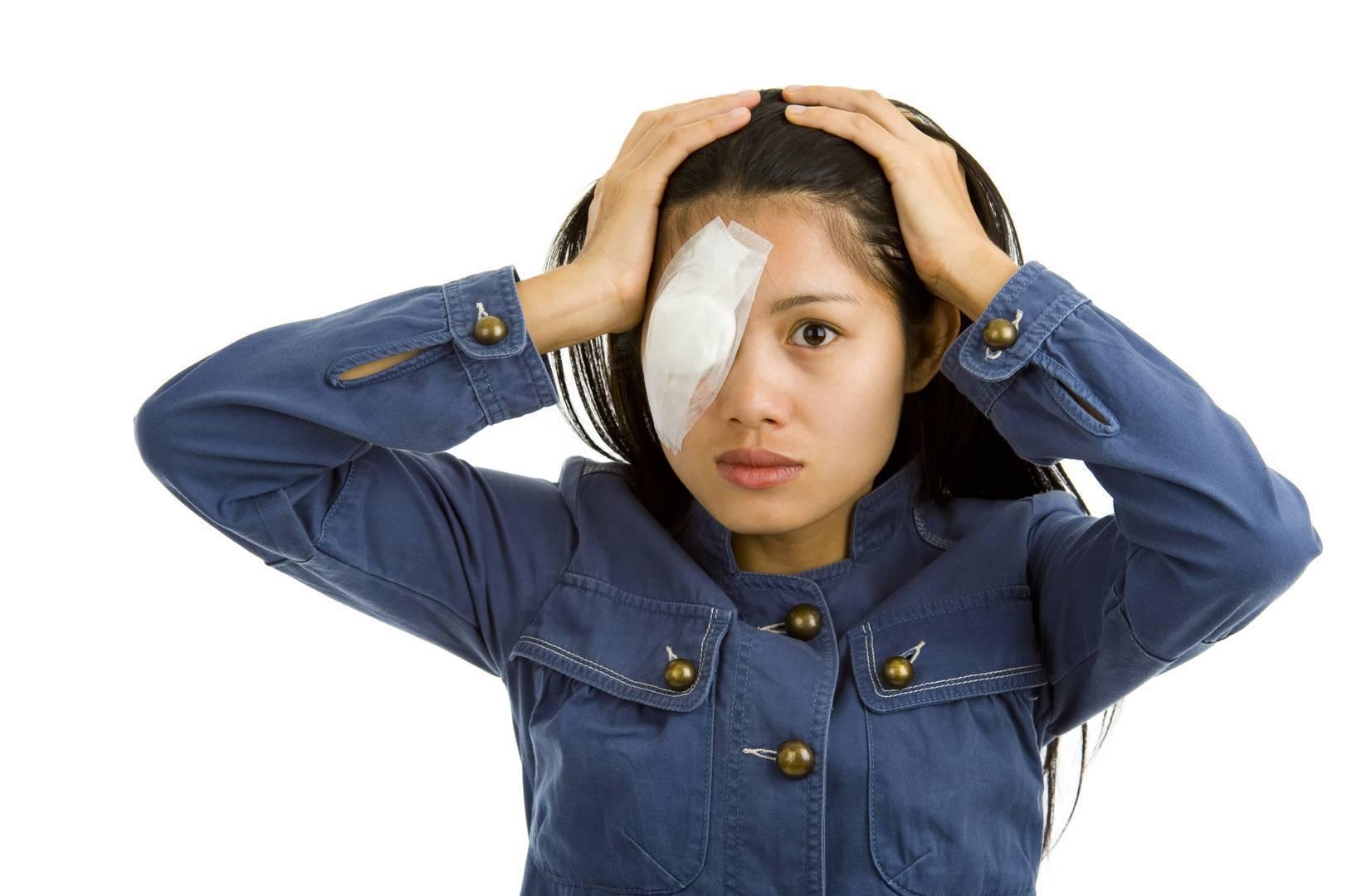укус мошки в глаз