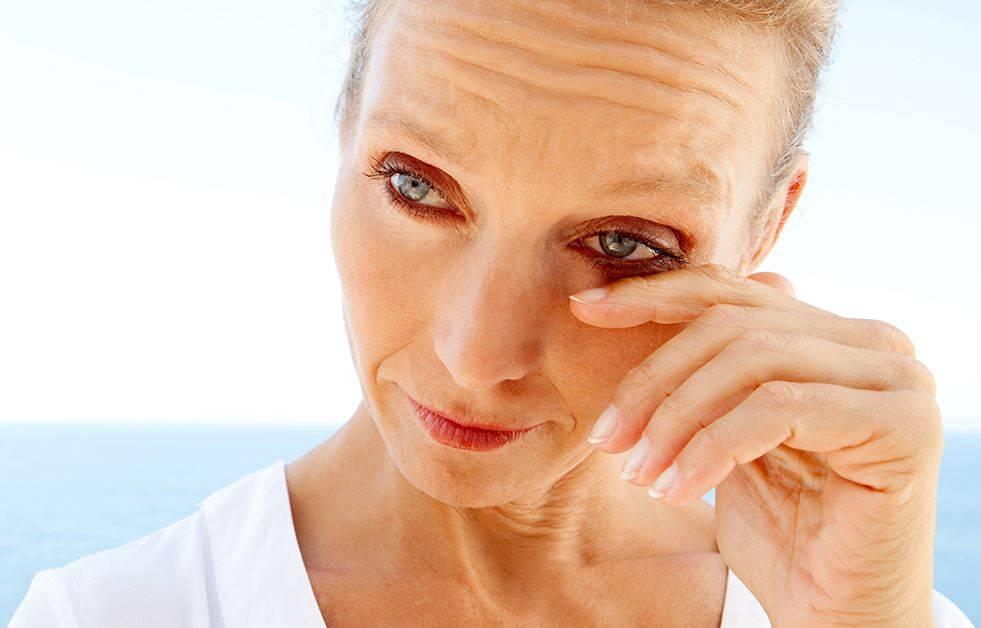Ощущение песка в глазах — что это значит, почему происходит и что делать?
