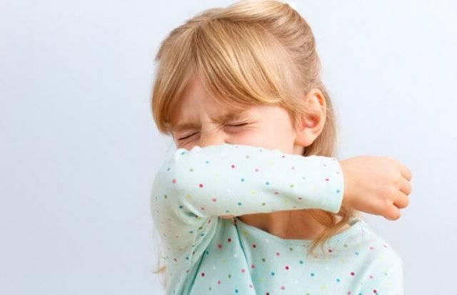 Сильный кашель без температуры у взрослых: лечение, признаки и причины