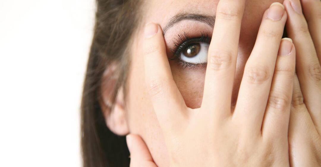 двоится в глазах при каком заболевании