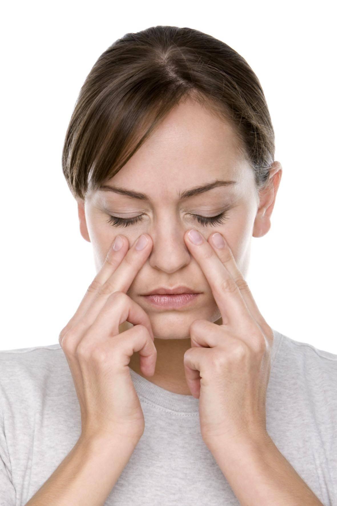 почему болит в носу внутри