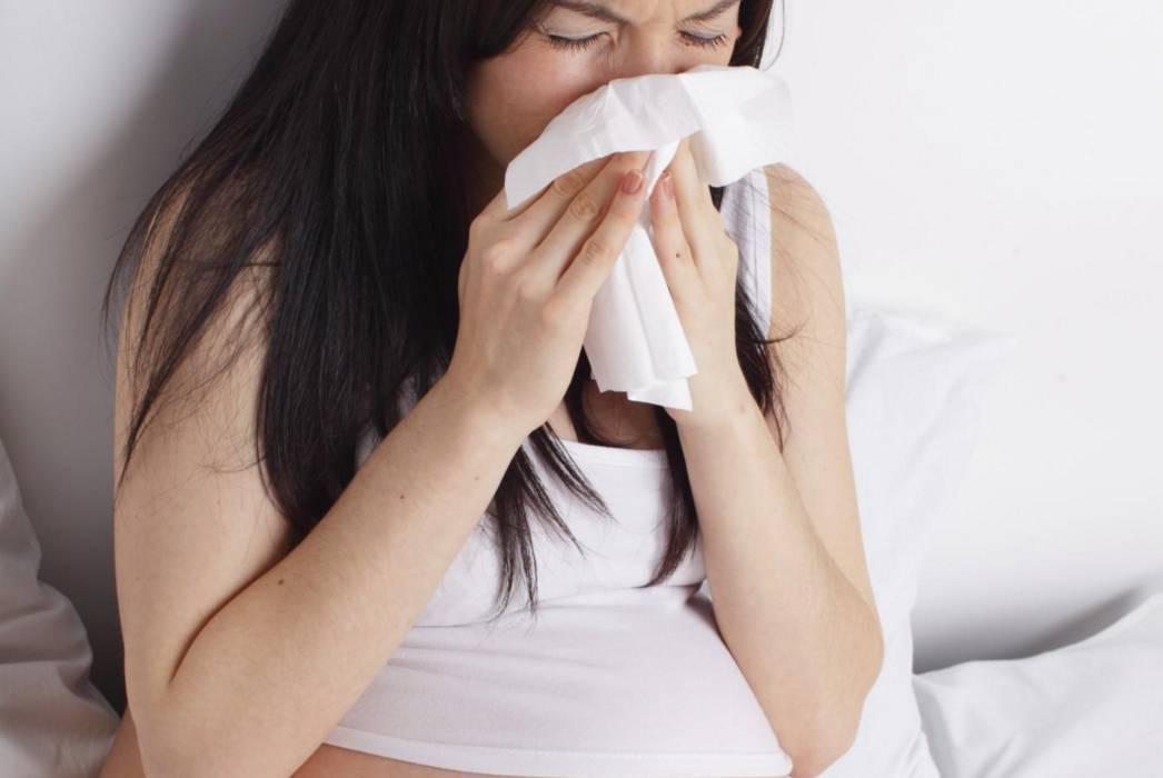 Простуда при беременности во 2 триместре. чем лечить горло и кашель, насморк у беременных во втором триместре?