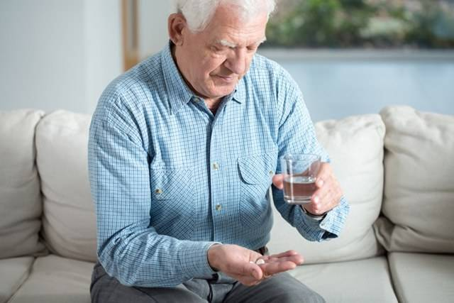 Борьба с инсомнией в пожилом возрасте: выбираем средство