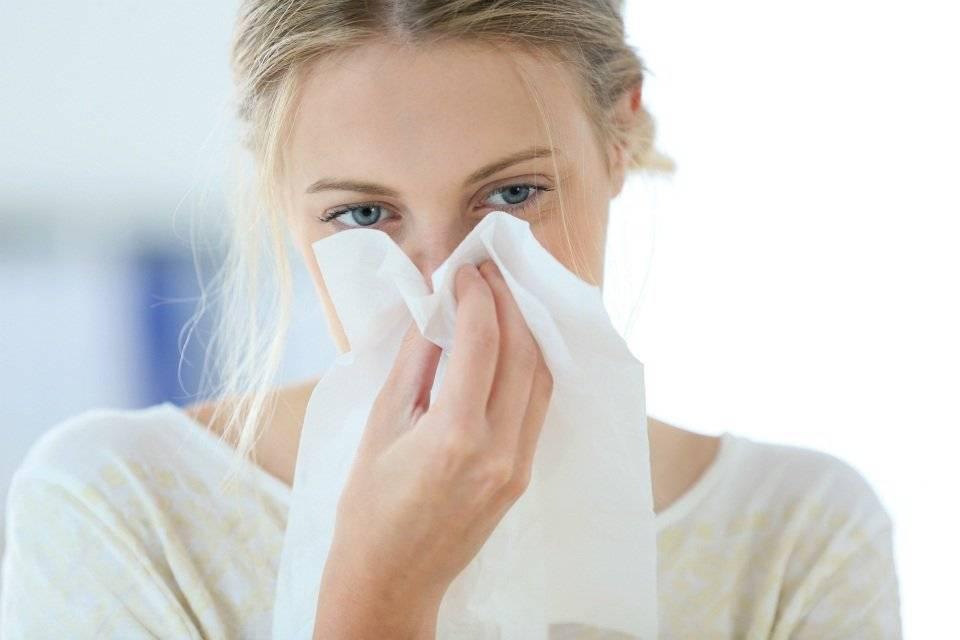 Как лечить аллергический насморк народные средства