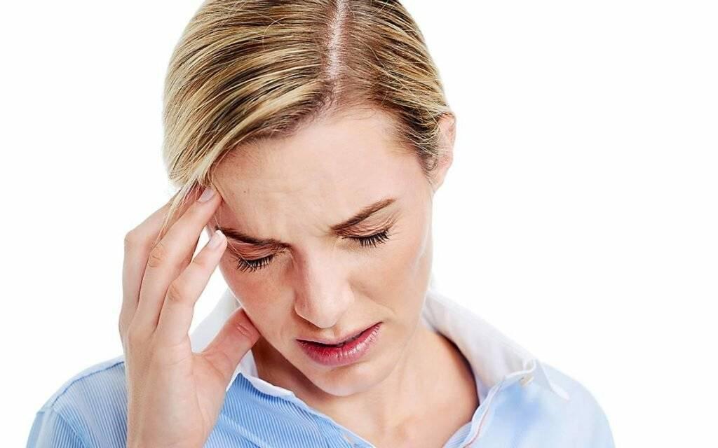 Болит голова и насморк — что делать, чем и как лечить?