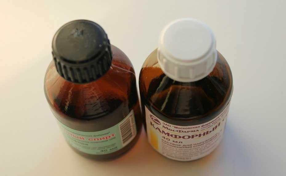 Камфорное масло и спирт в лечении ушей: как применять, показания