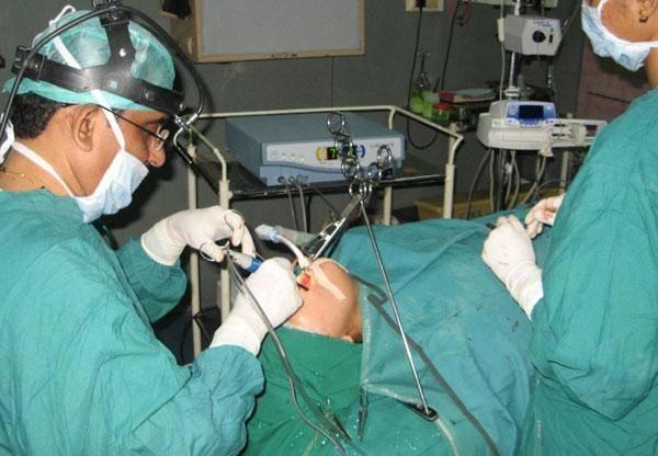 Удаление аденоидов (операция аденотомия): показания, методы, проведение, послеоперационный период