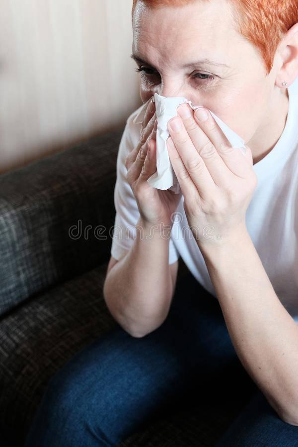 Зуд в носу чихание насморк