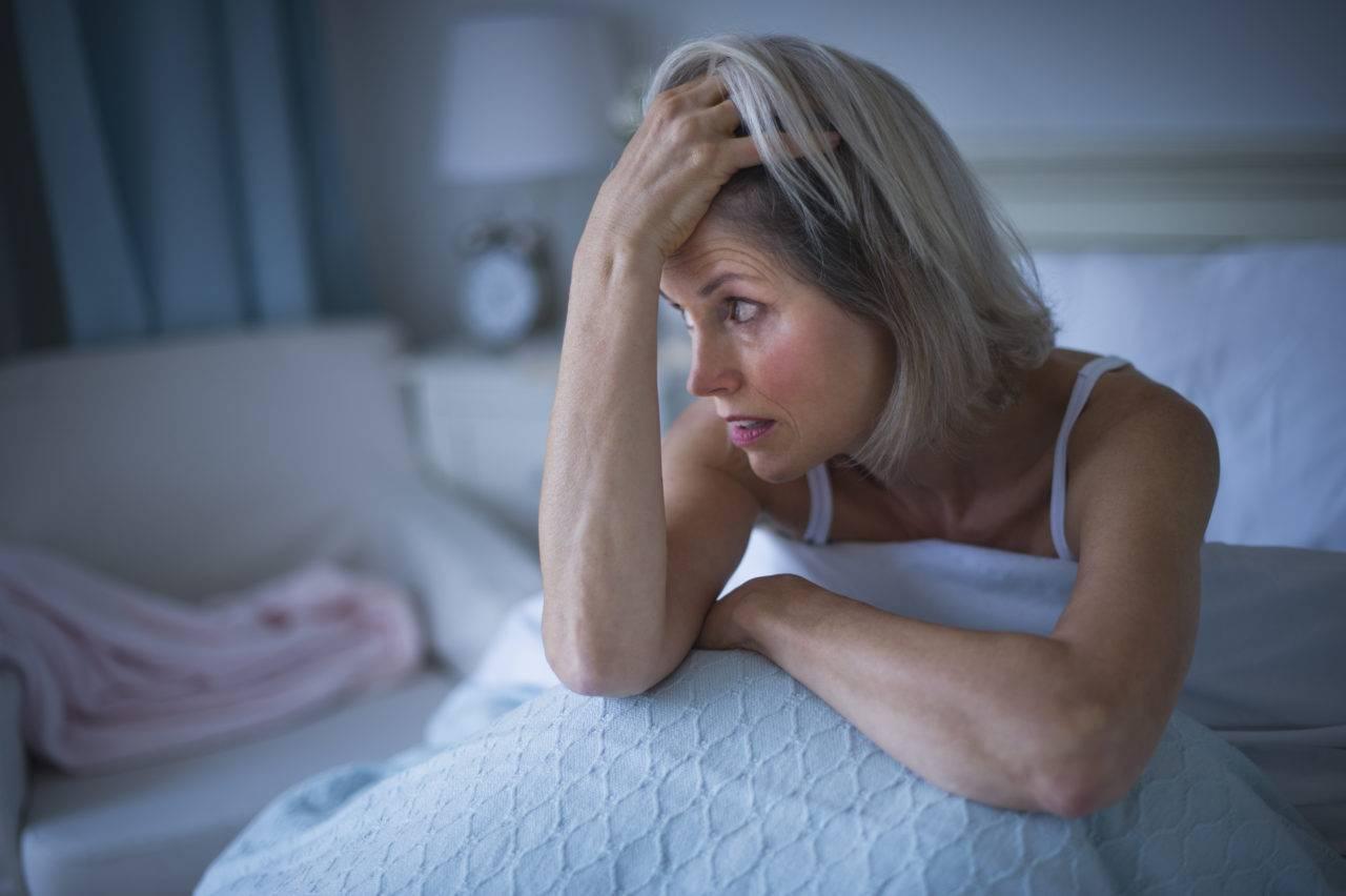 Инсомния, сопровождающая менопаузу у женщин, и способы борьбы с ней
