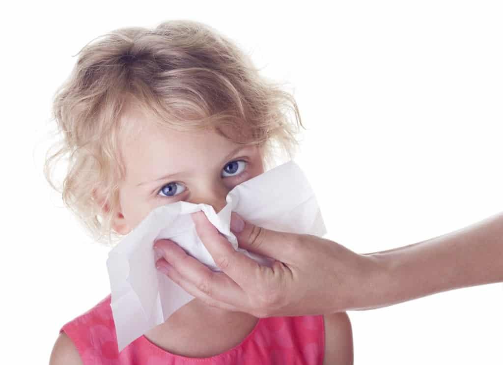 При соплях у ребенка неприятный запах из носа