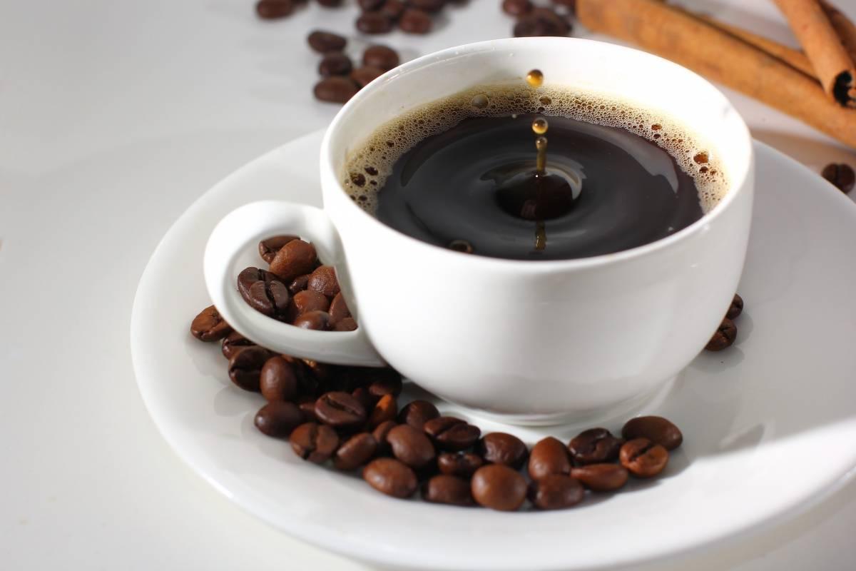 Кофе при геморрое: употребление не запрещено… но…