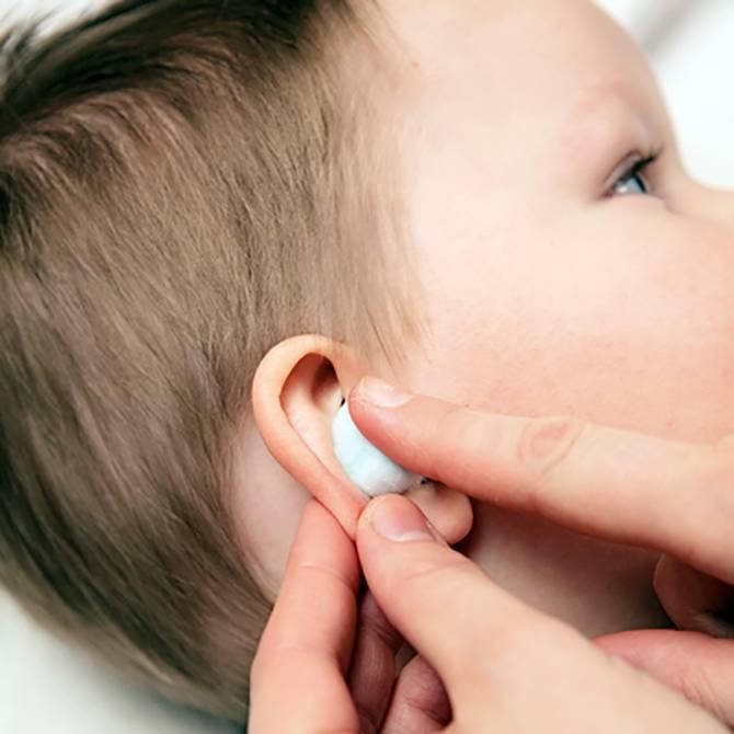 болит ушко у ребенка 2 года