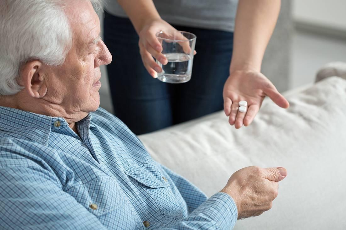 как вывести пожилого человека из депрессии