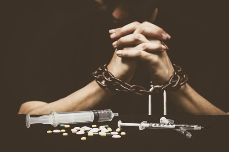 Кокаиновая зависимость: симптомы и методы лечения
