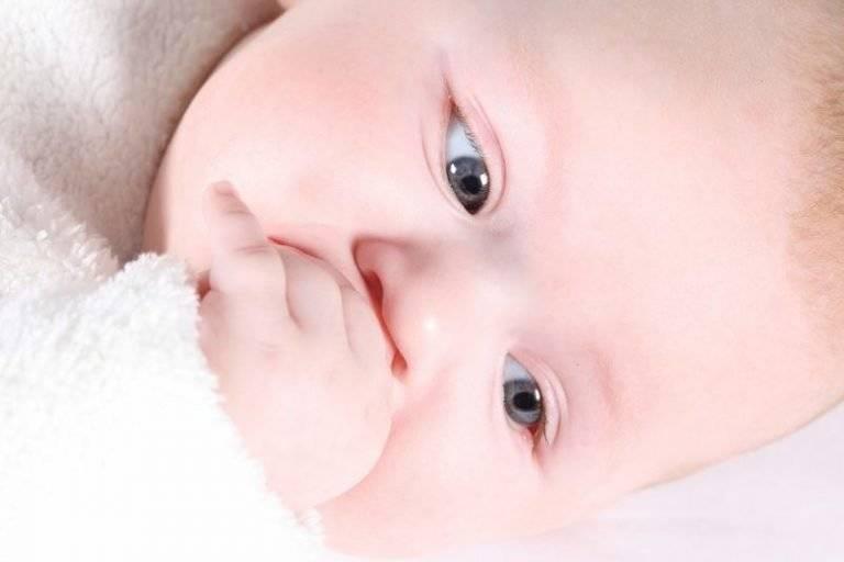 Заложен нос у грудничка: что делать