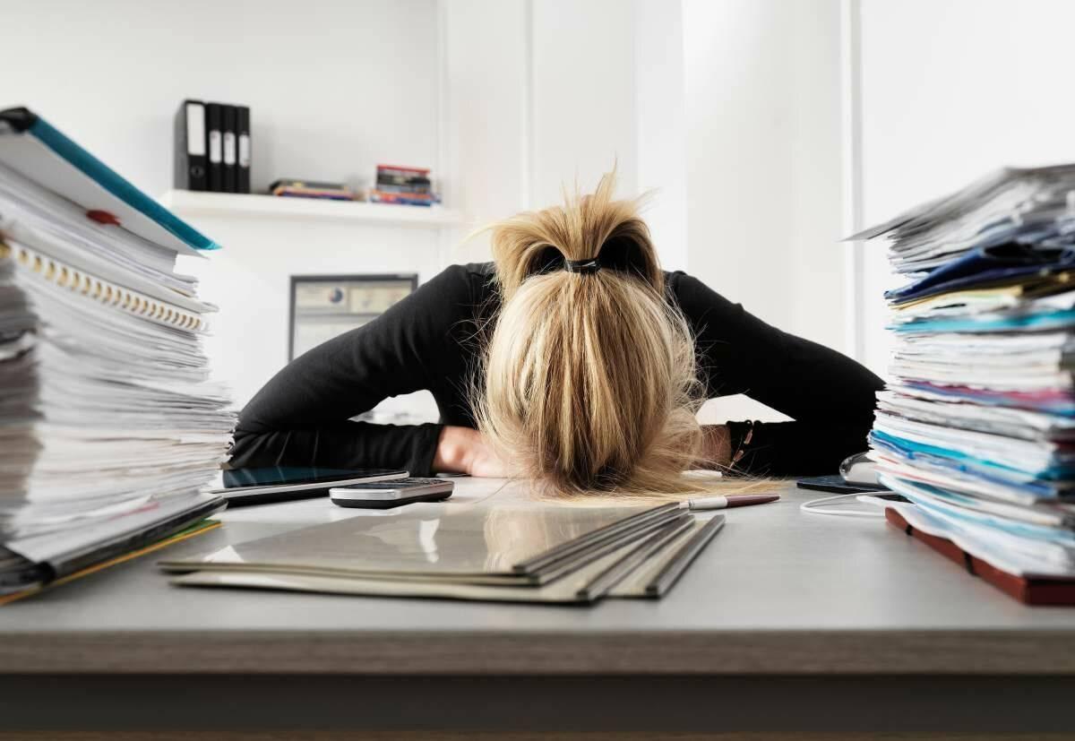 Симптоматика и устранение депрессии из-за работы