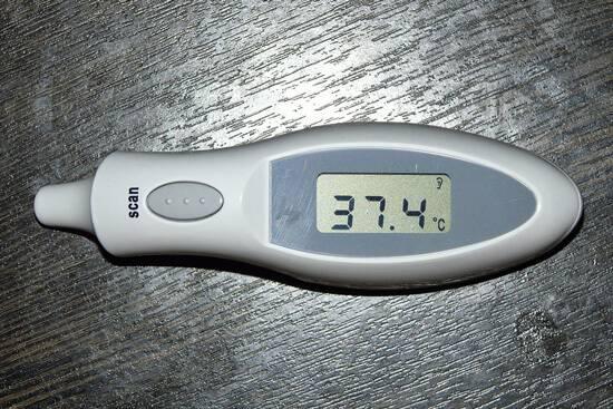 Температура 37 после ангины у ребенка