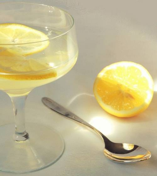 Как вода с лимонным соком очистит печень от токсинов?