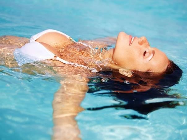 Можно ли при цистите купаться в море и загорать