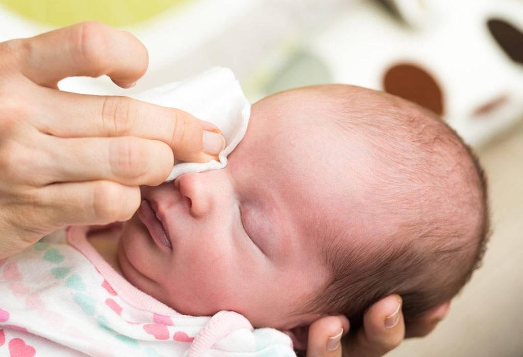 чем можно промыть глаза ребенку