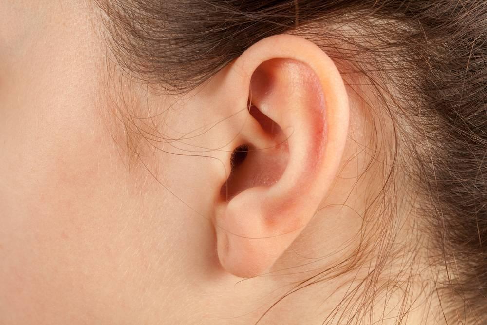 Зуд в ушах причина и лечение