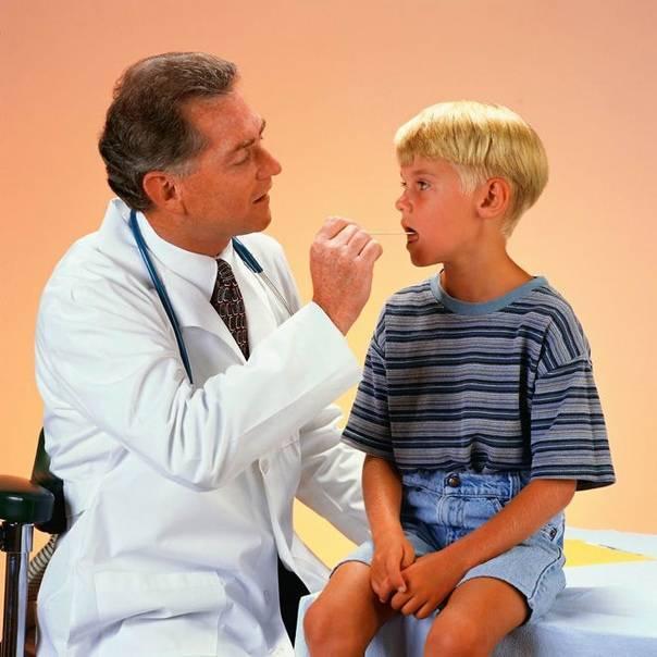 8 безобидных и опасных причин кома в горле