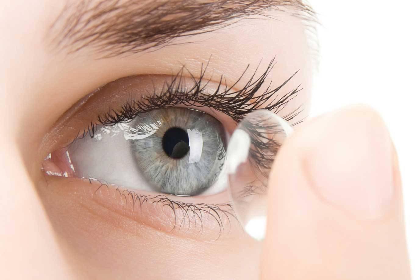 После снятия линз болит глаз