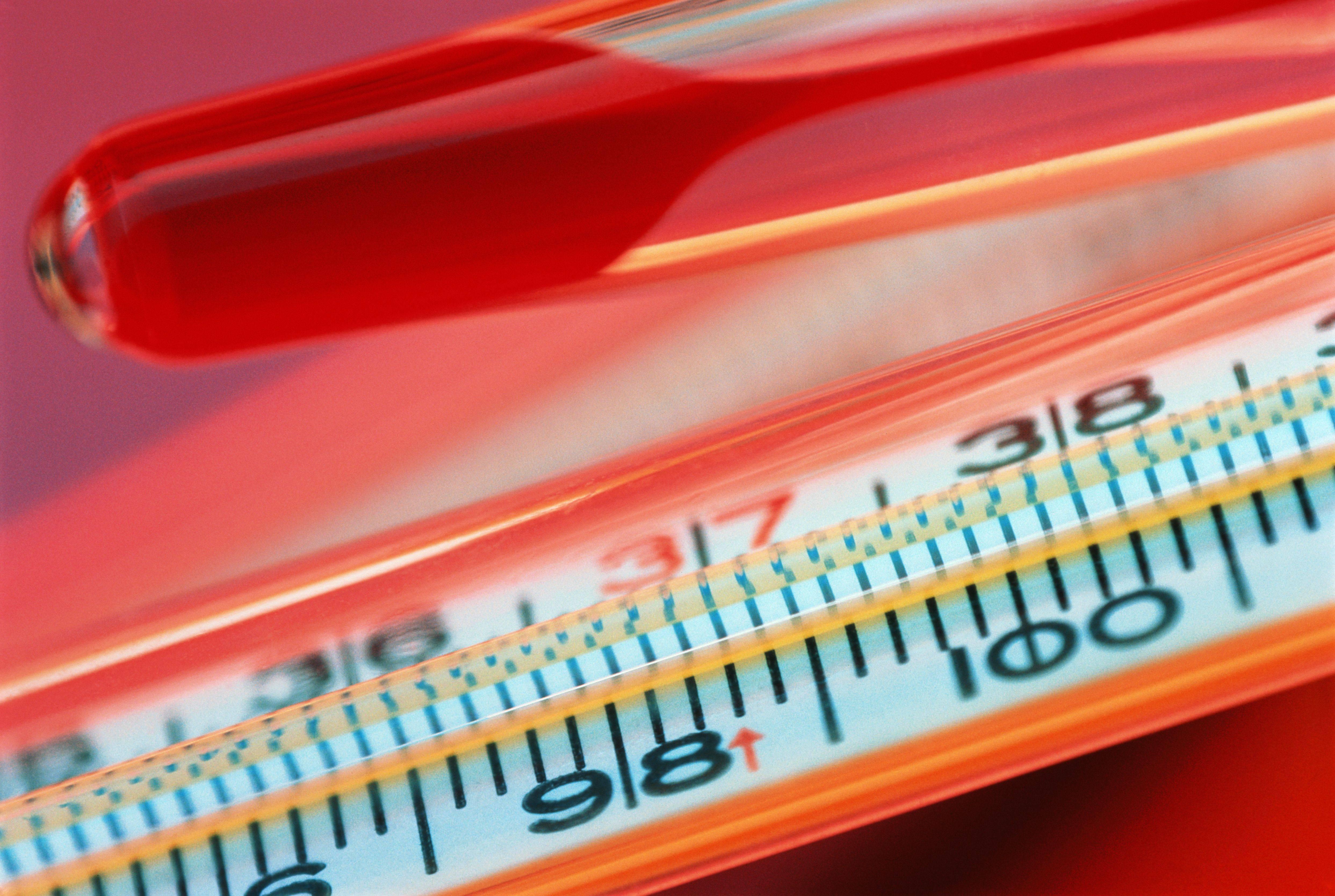 Почему при цистите повышается температура и как ее сбить?