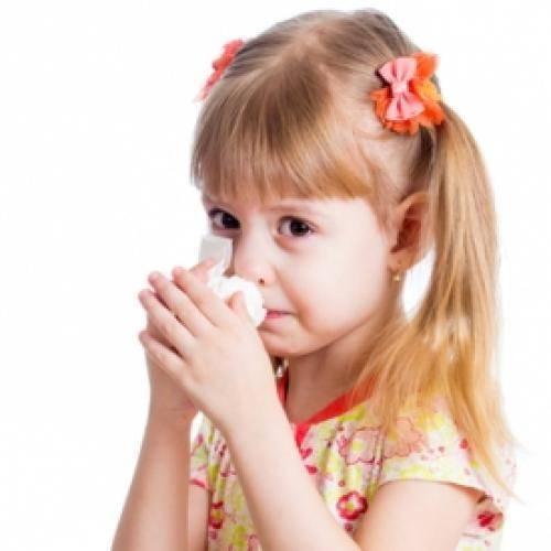 Причины и методы лечения насморка и частого чихания у детей