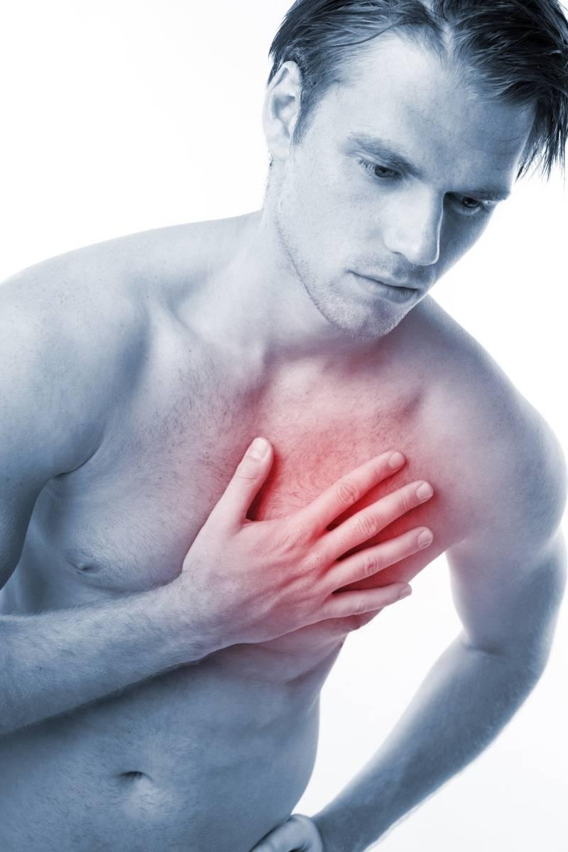 Почему у парней болит грудь