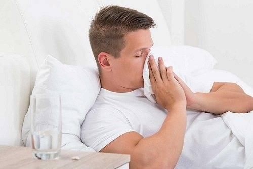 Заложенность носа, температура 37, слабость