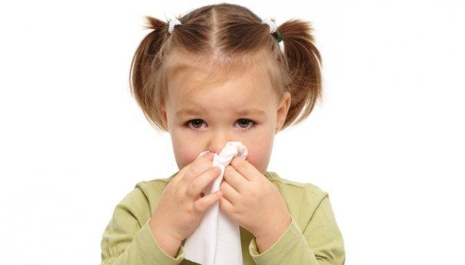 Причины насморка и температуры у ребёнка
