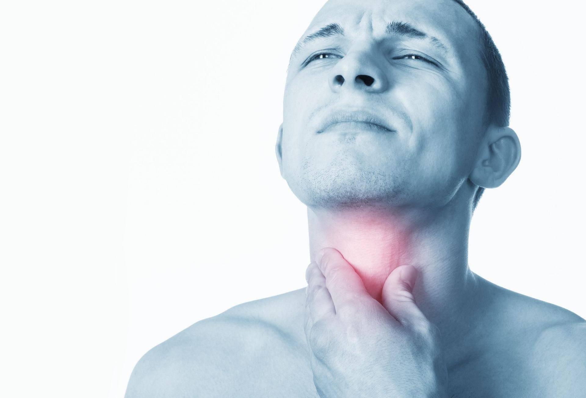 болит горло в области гортани