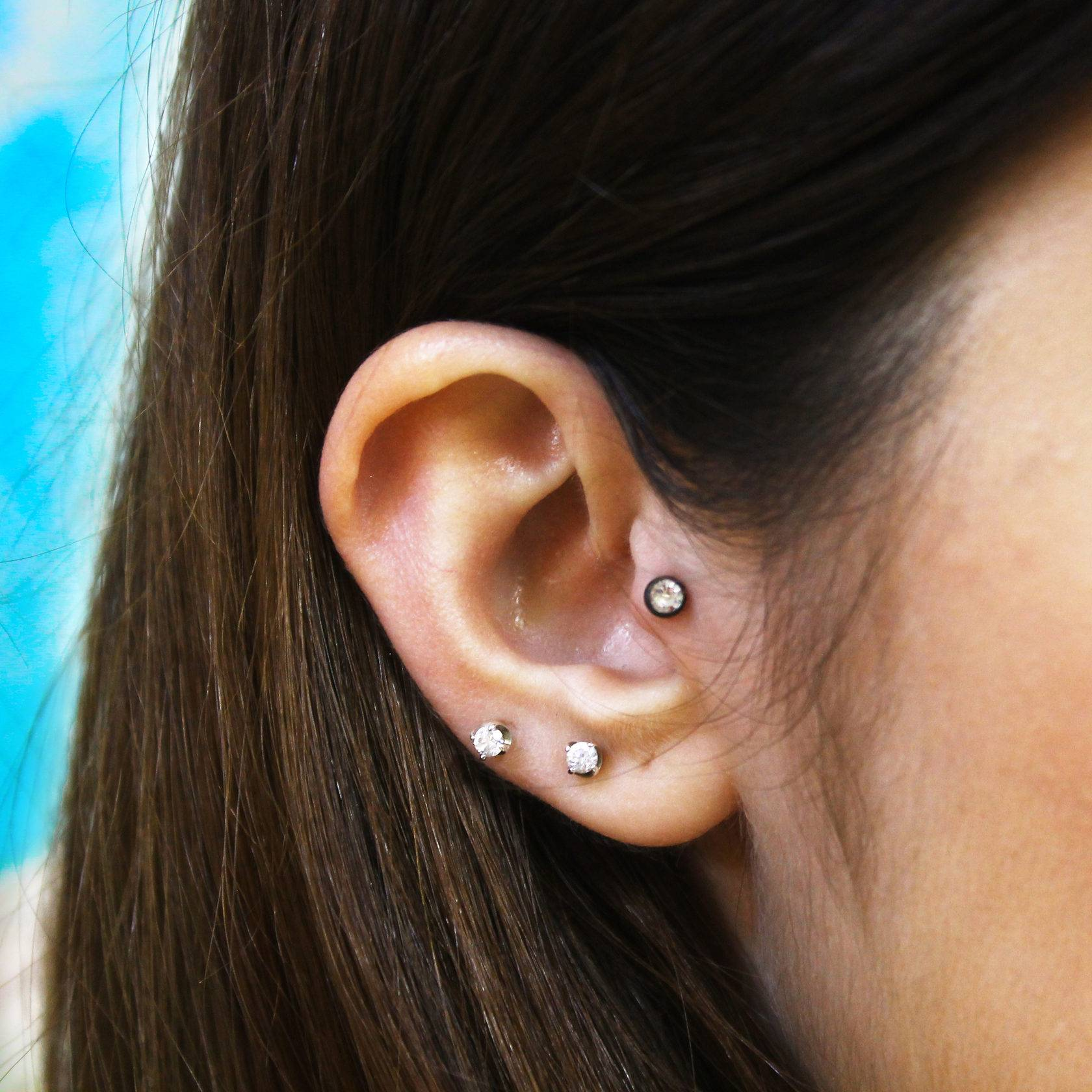 Пирсинг уха: виды проколов и сережек для ушей, особенности ухода