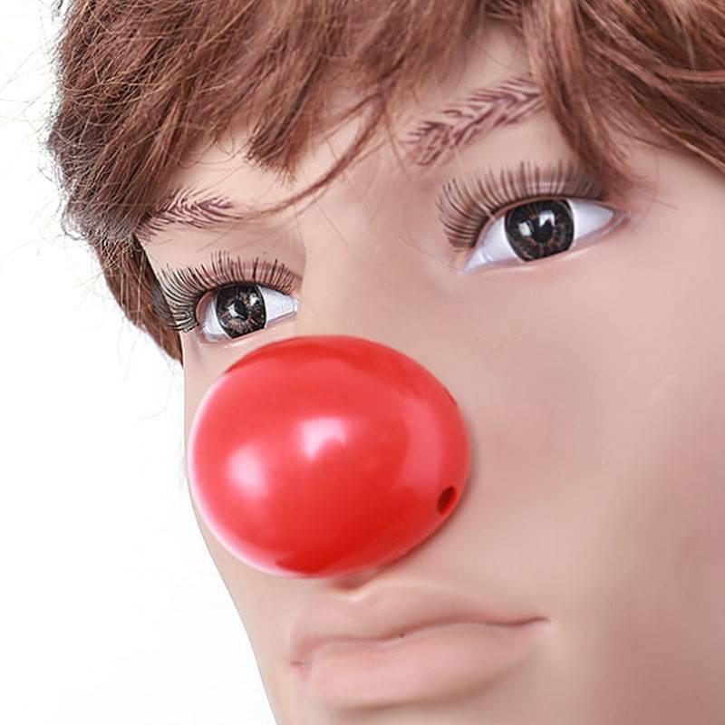 кончик носа красный