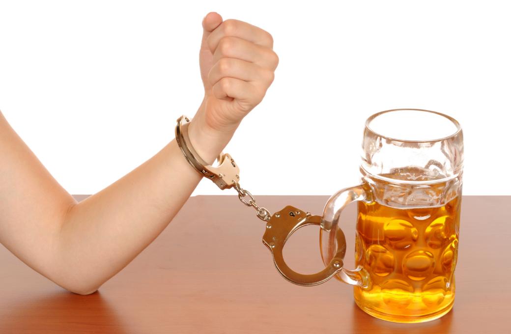 Пивной алкоголизм — признаки, особенности и методы лечения
