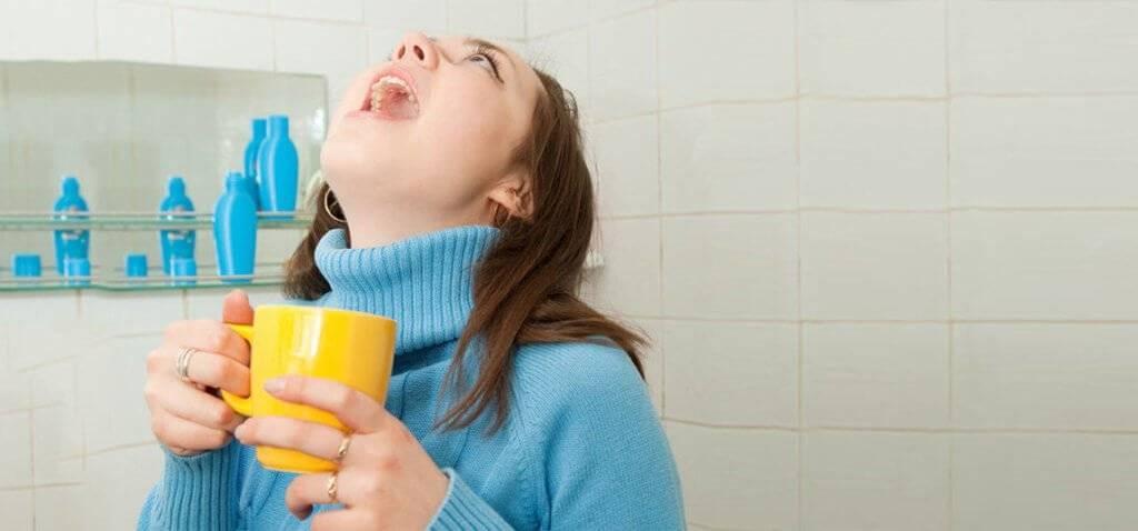 Как смягчить горло при жестком кашле
