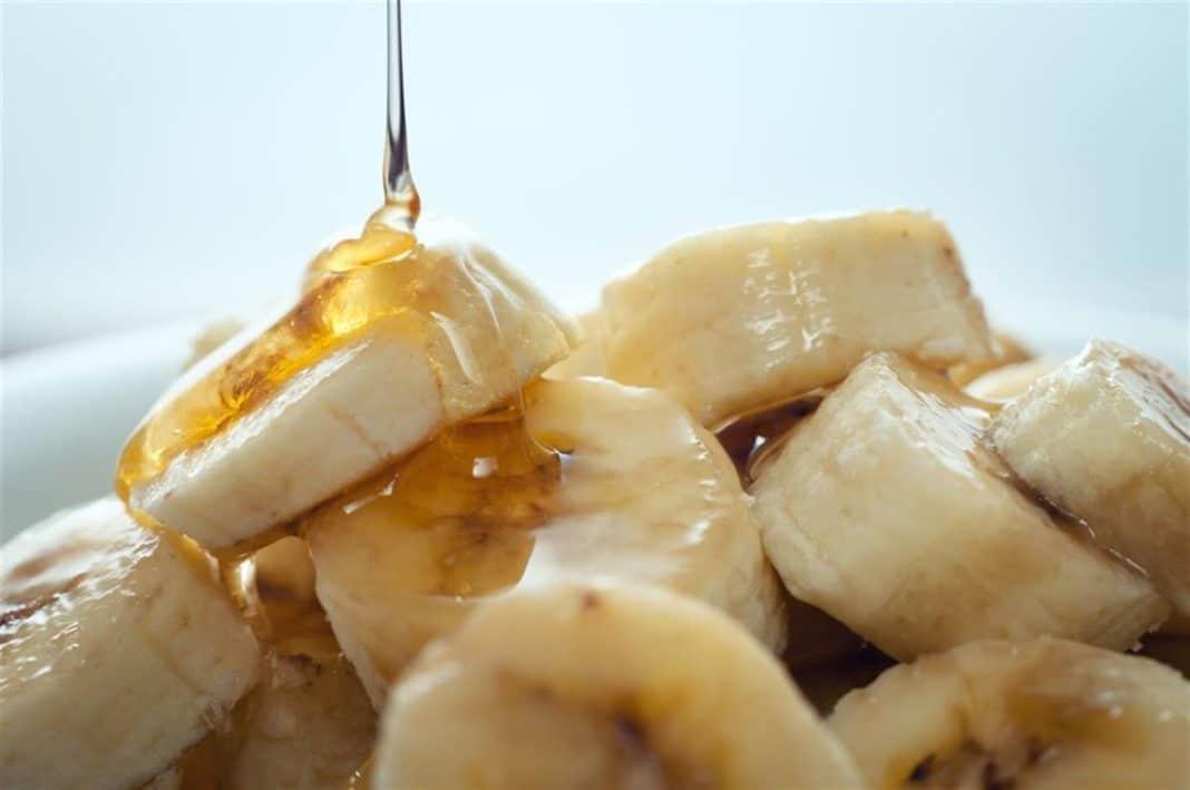 Никакого кашля ни осенью, ни зимой! измельчи банан и добавь еще 2 ингредиента.