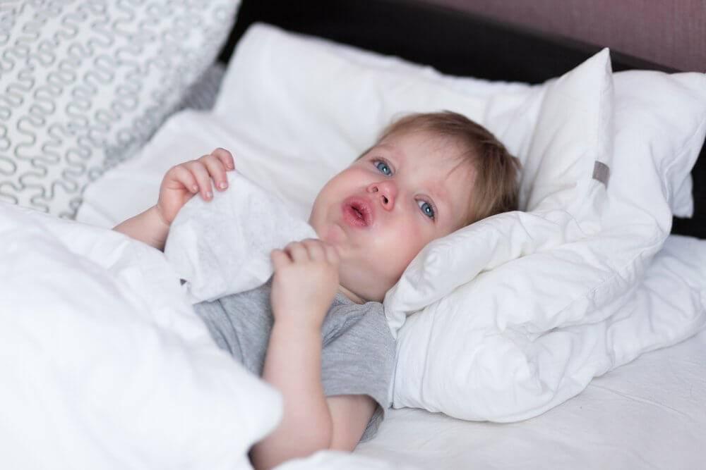 у ребенка сильный кашель по ночам