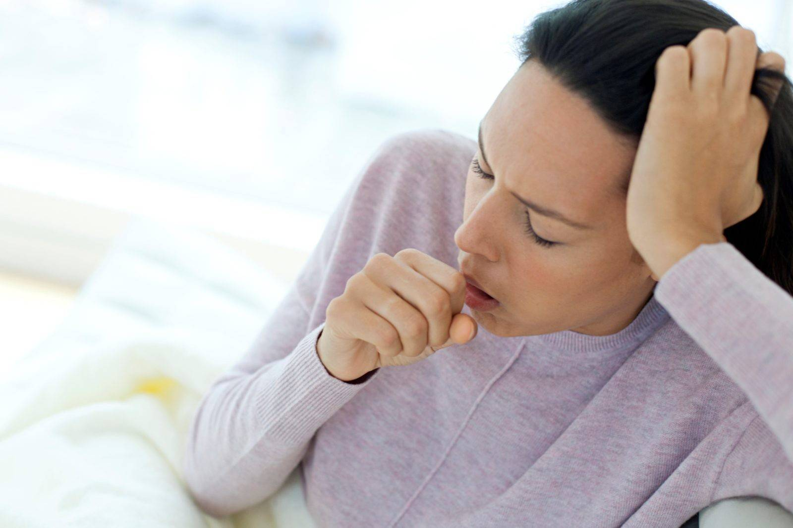 Сильный сухой кашель у взрослого причины и лечение