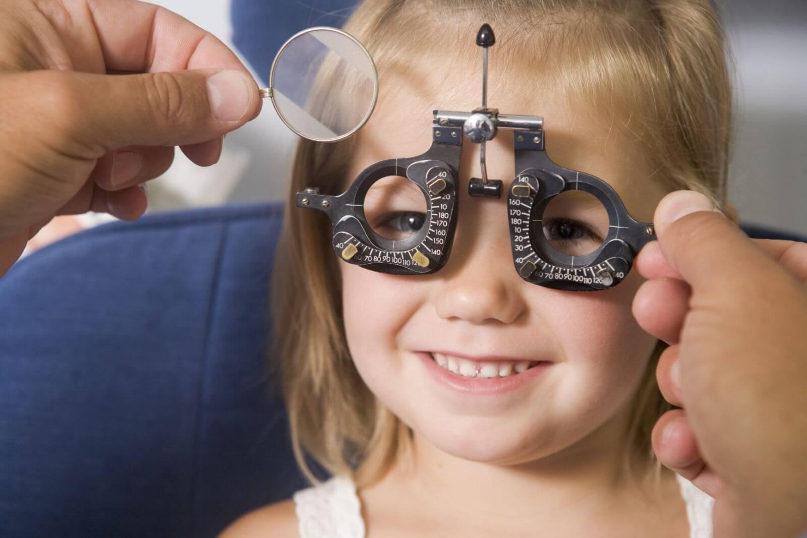 Лечение дальнозоркости у детей: аппаратное, можно ли вылечить гимнастикой для глаз, чем лучше лечится недуг у ребенка, отзывы