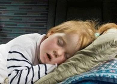 Ваш ребенок храпит во сне без насморка? есть как минимум пять объяснений
